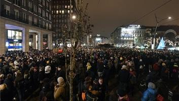 A kulturális törvényjavaslat ellen tüntettek Budapesten - illusztráció