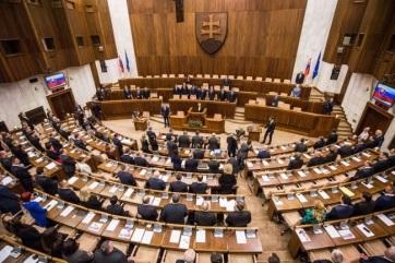 Azonos, küszöb alatti százalékon a két szlovákiai magyar lista - A cikkhez tartozó kép