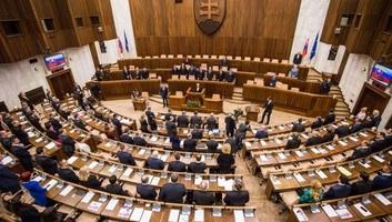 Azonos, küszöb alatti százalékon a két szlovákiai magyar lista - illusztráció