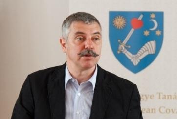 Méltó elismerést sürgetett Tőkés László számára a román államfőtől Tamás Sándor, a Kovászna megyei közgyűlés elnöke - A cikkhez tartozó kép