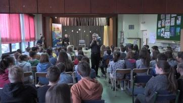 Oromhegyes: Nem mindennapi zeneóra és Modern Folking műhelymunka az általános iskolában - A cikkhez tartozó kép