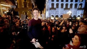 Salvini bevándorlási törvényeinek eltörlését követelték a római tömegtüntetésen - A cikkhez tartozó kép