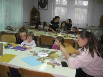 Az óbecsei Lurkóház növendékei a nagybecskereki leánykollégium vendégei voltak - A cikkhez tartozó kép