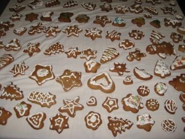 Muzslya: Mézeskalácsokat készítettek a közelgő karácsonyi vásárra - A cikkhez tartozó kép