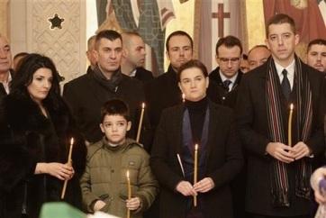 Brnabić: Pristina miatt megkötött kézzel folytatjuk a nyomozást - A cikkhez tartozó kép