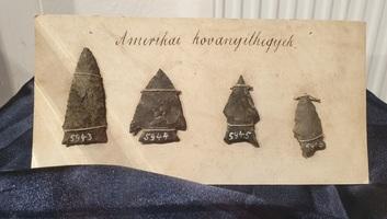 Amerikai kovanyílhegyek a hónap tárgyai a szlovákiai Rimaszombatban - illusztráció