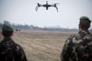 Mađarska: Granica se štiti toplotnim kamerama, dronovima i radarima - A cikkhez tartozó kép