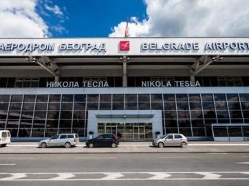 Szerbia repülőtéri vizsgálatokkal igyekszik kiszűrni az új koronavírus hordozóit - A cikkhez tartozó kép