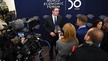Vučić: Elegem van a kioktatásból a moszkvai és pekingi kapcsolataink miatt - illusztráció