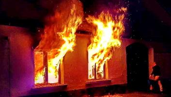 Leégett egy ház Magyarcsernyén - illusztráció
