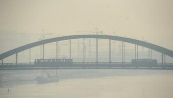 Szerbia egyes részein ma is nagyon szennyezett a levegő - illusztráció