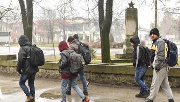 Horgos: Elszállították a faluból a migránsok egy részét - illusztráció