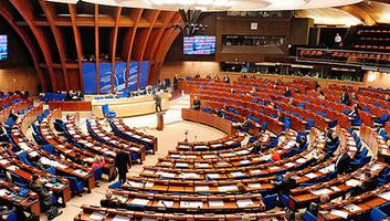 Az Európa Tanács vizsgálatot indít a lengyel jogállamiság helyzetének ügyében - illusztráció