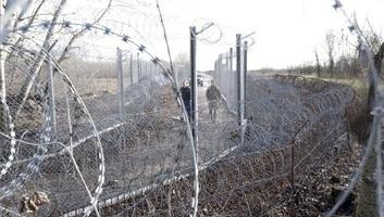 Eljárás indult a Röszkén elfogott migránsok ellen - illusztráció