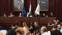 Fővárosi Közgyűlés: Szobrot állítanak Budapesten a háborúkban megerőszakolt nők emlékére - illusztráció