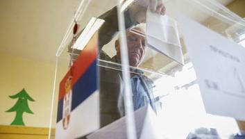 Helyezkedések a szerbiai választások előtt: Új szövetségek a régi vezetőkkel - illusztráció