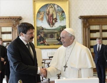 Áder János magyarországi látogatásra hívta meg Ferenc pápát - A cikkhez tartozó kép