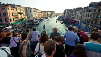 Megkezdődött a turisták kamerás számlálása Velencében - illusztráció