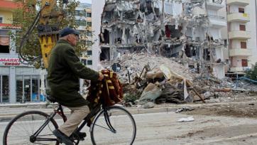 Uniós és nemzetközi adományozók több mint 1 milliárd euróval segítik Albánia újjáépítését - A cikkhez tartozó kép
