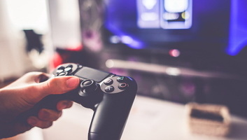 Videojáték-függők a gyerekek, a fiúk gyorsabban rászoknak - illusztráció