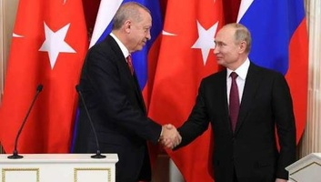 Kreml: Egyeztetés folyik egy orosz-török-német-francia csúcs lehetőségéről - illusztráció