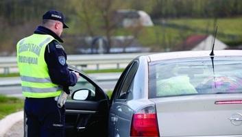 Öt nap alatt 25 ezer közlekedési bírságot szabtak ki a szerbiai rendőrök - illusztráció