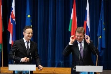 Sijarto: Nikada još nije bilo istovremeno toliko zajedničkih graditeljskih poduhvata između Mađarske i Slovačke kao danas - A cikkhez tartozó kép