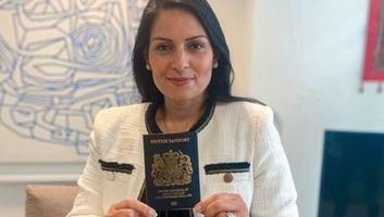 Brexit: Márciustól ismét kék lesz a brit útlevél - illusztráció