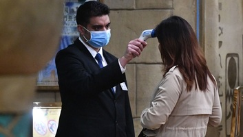 """Koronavírus: A WHO aggódik """"a korábbi kapcsolat nélküli"""" fertőzések miatt - illusztráció"""