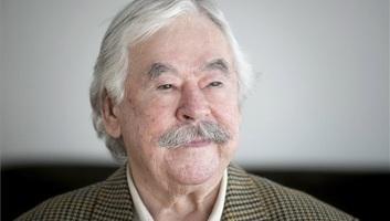 Meghalt Csukás István író - illusztráció