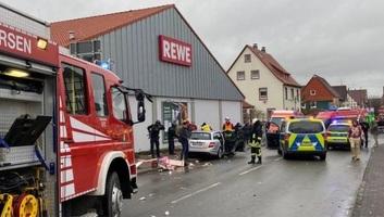 Csaknem hatvanan sérültek meg a Németországban történt tömeges gázolásban - illusztráció