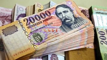 Tavaly a bruttó átlagkereset 367 800 forintra nőtt - illusztráció