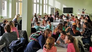 Zenta: Hetven diák versengett a Curie Környezetvédelmi Emlékverseny vajdasági döntőjén - illusztráció
