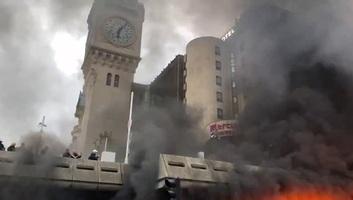 Tűz miatt kiürítették a párizsi Gare de Lyon pályaudvart - illusztráció