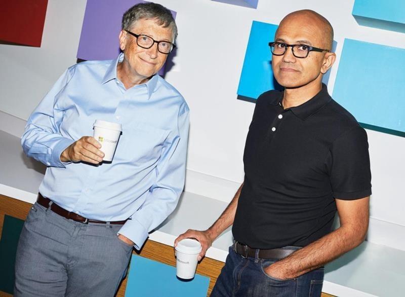 Bill Gates a jövőben a redmondi cég vezetője, Satya Nadella mellett lesz technológiai tanácsadó