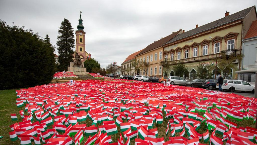Zászlók tízezrei a nemzeti ünnepen Nagykanizsán