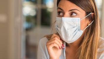 A szaglás elvesztése lehet a koronavírus-fertőzés egyik első tünete - illusztráció