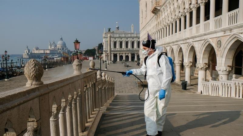 Fertőtlenítés a kihalt Velencében