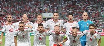 A magyar labdarúgó válogatott is felajánlotta segítségét - illusztráció