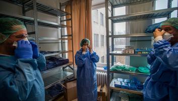 Magyarországon hétfőtől kórházparancsnokok segítik a kórházak működését és az egészségügyi készlet védelmét - illusztráció
