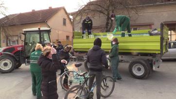 Minden hétfőn és csütörtökön osztják a fertőtlenítőszert Magyarkanizsa községben - A cikkhez tartozó kép