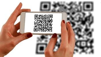 Moszkvában mobil-alkalmazás figyeli majd a fertőzöttek mozgását, az utcára lépéshez QR-kód kell - illusztráció