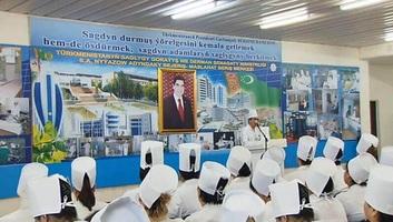 Nem áprilisi tréfa: Türkmenisztán betiltotta a koronavírust - illusztráció