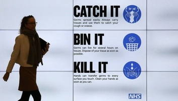 Egy nap alatt több mint hétszázzal emelkedett a brit halálos áldozatok száma - illusztráció