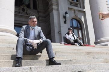 Éhségsztrájkkal kampányolnak szerb politikusok - A cikkhez tartozó kép