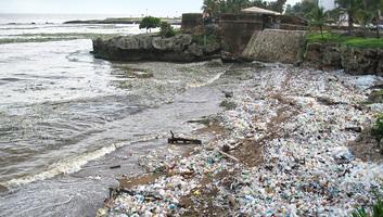 Rekordmennyiségű műanyagszennyezés a Földközi-tengerben - illusztráció
