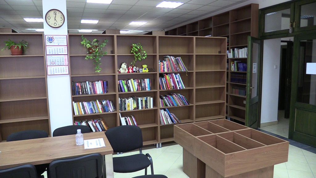 Lehet bővíteni a könyvállományt, most már van hely bőven a könyveknek