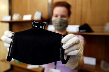 Védőmaszkokból rendez kiállítást a cseh Nemzeti Múzeum - A cikkhez tartozó kép