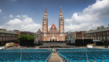 Elmaradnak a Szegedi Szabadtéri Játékok Dóm téri előadásai - illusztráció