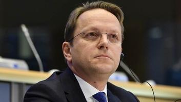 Várhelyi: Bízom benne, tisztességes választások lesznek Szerbiában - illusztráció